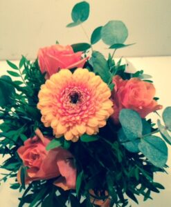 Minigerbera s růžemi
