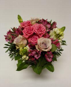 Míchaná růžová kytice