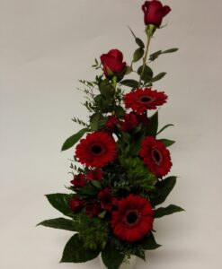 Smuteční míchaná kytice z růží, gerber, alstromerie a zelené karafiáty