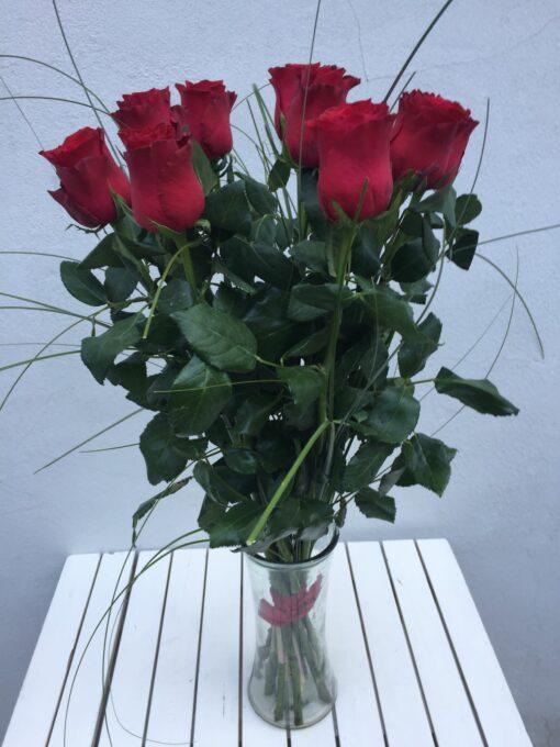 7 rudých růží