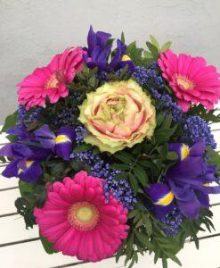 Krásná kytice s růží