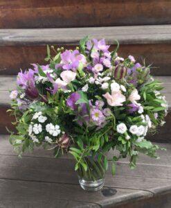 Nádherná kytice - alstromerie, dianthus, astry, len a nigella