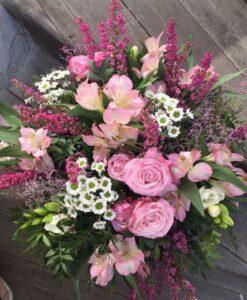 Podzimní kytice s trsovými růžemi