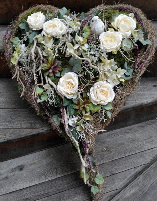 Smuteční aranžmá z umělých květů