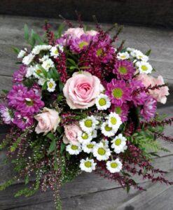 Podzimní kytička s trsovými růžemi