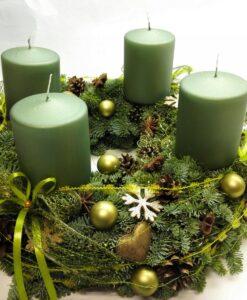 Luxusní adventní věnec se zelenými svíčkami