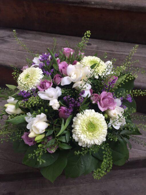Jarní kytice s plnokvětými minigerberami