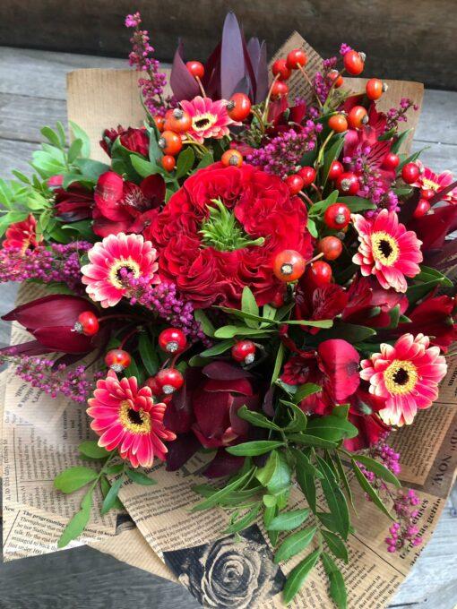 Krásná kytice s růžičkou odrůdy RED EYE