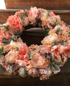 Luxusní věnec s umělými květinami