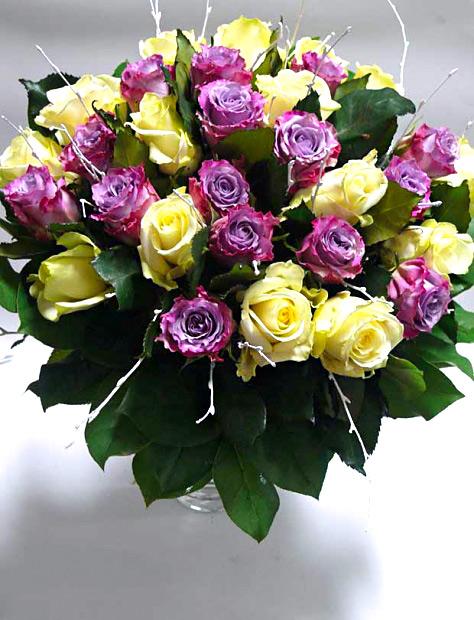Fialové a bílé růže 30 ks